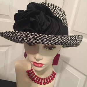 APT 9 Straw Hat